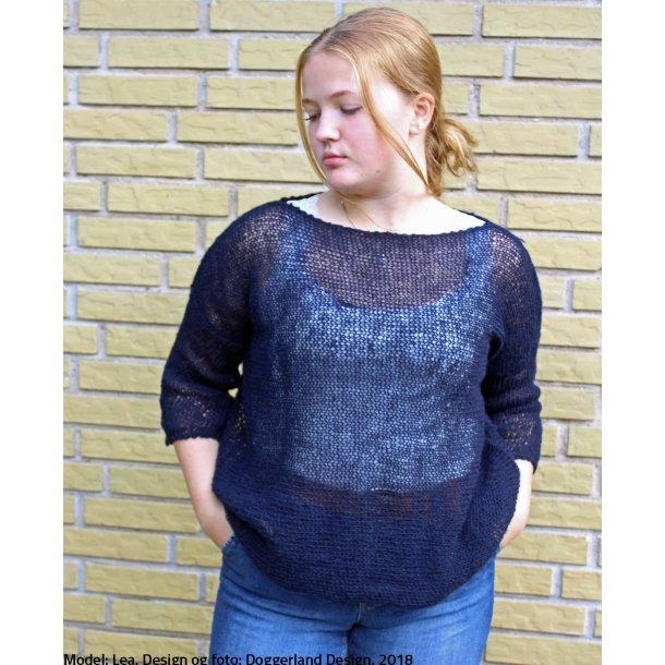 AINE - Let, enkel bluse i tynd islandsk uldgarn