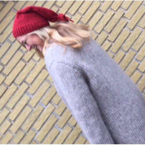 Nissehue i Lille Per stil - strikkes i islandsk uld